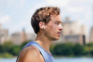 Jogger mit Kopfhörer